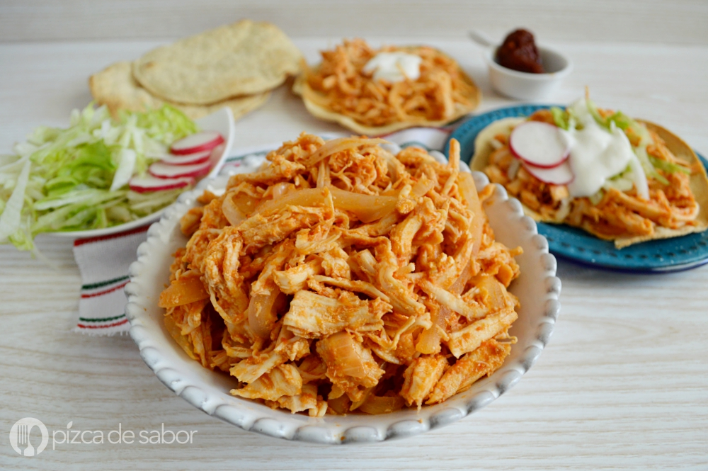 Chicken tinga or chicken in chipotle sauce www.thebestmexicanrecipes.com